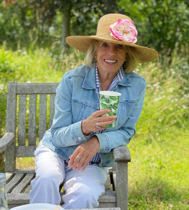 Last chance to secure VIP tickets for Dame Esther Rantzen's birthday event at Furzey Gardens!  Spend this Sunday among the late summer blooms of the garden with Dame Esther and guests, enjoying afternoon tea and live music from a silver band.  What better way to bring the summer to a close!  https://furzeygardens.ticketsolve.com/shows/1173611738
